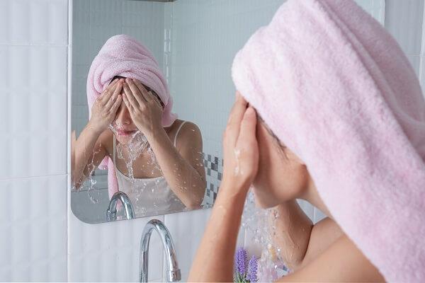 Cleansing sebelum makeup